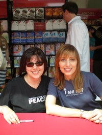 Karen_and_linda_at_lafob_2008
